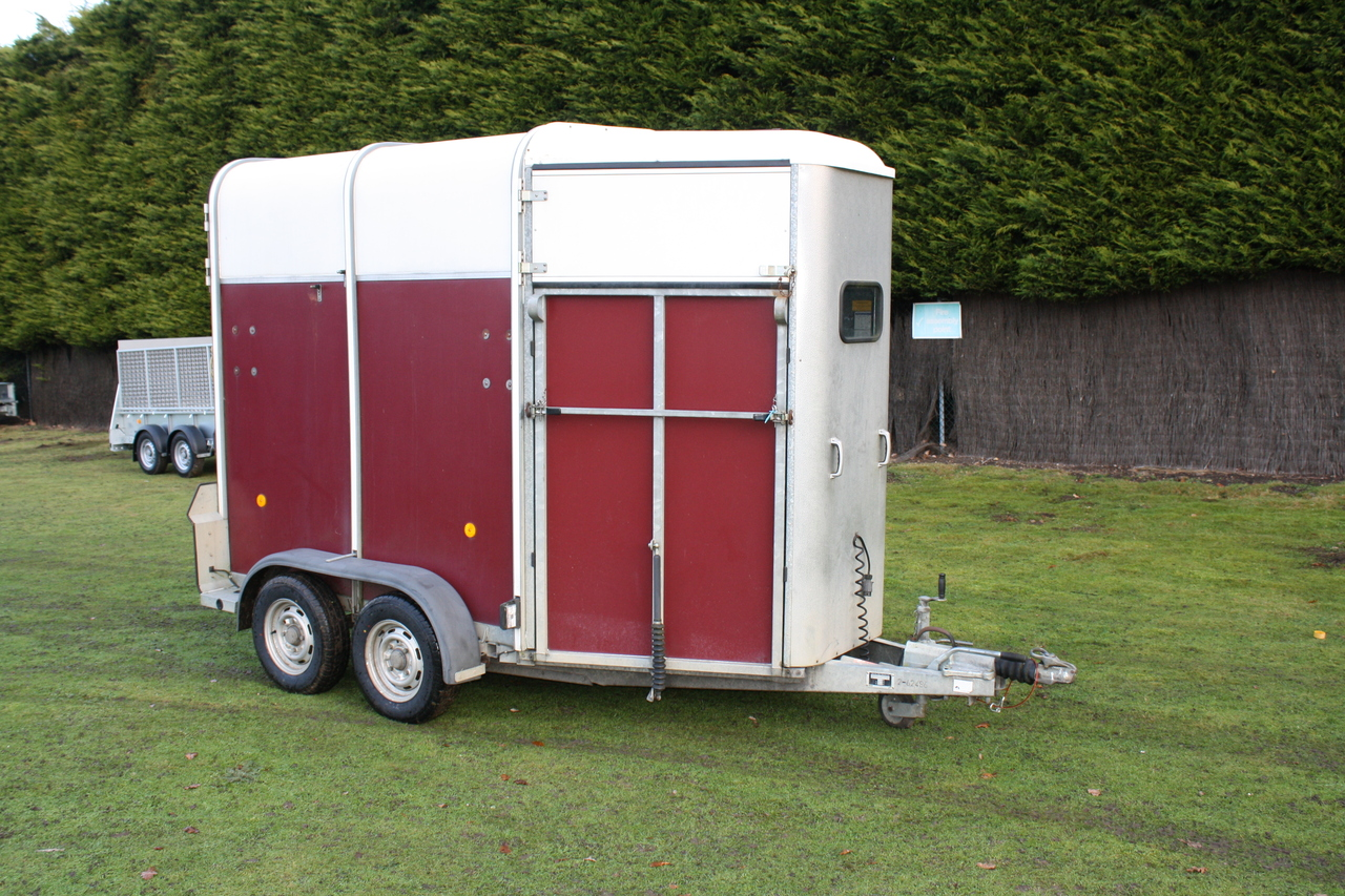 Used Ifor Williams Hb505 Red Double Horse Box