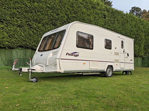 Photo of Used Bailey Pageant Moselle - 2006 Caravan - 4 Berth End Washroom